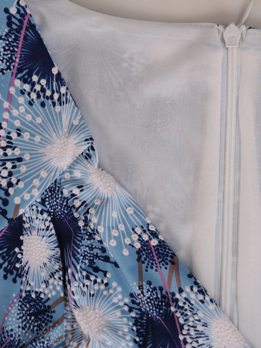 Sukienka kopertowa, wiosenna kreacja z dzianiny 20776.