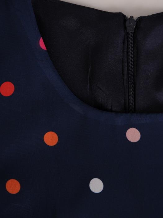 Sukienka w kolorowe grochy, zwiewna kreacja z szyfonu 20808.