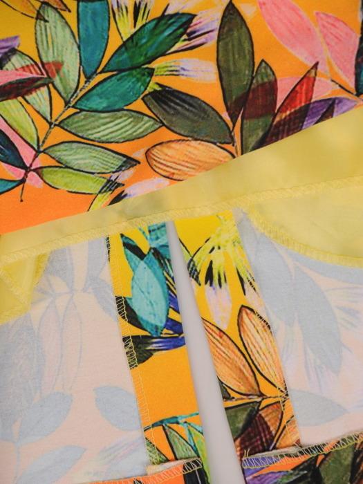 Sukienka w kwiaty, prosta kreacja z tkaniny 20555.