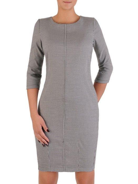 Sukienka w pepitkę Magda VII, luźny fason maskujący brzuch i biodra.