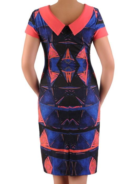 Sukienka w wyszczuplającym wzorze, prosta kreacja z tkaniny 20522.