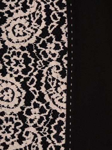 Sukienka wyszczuplająca Klementyna I, wizytowa kreacja z ozdobną wstawką z koronki.