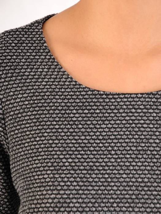 Sukienka wyszczuplająca, modna kreacja na jesień, zimę 27477