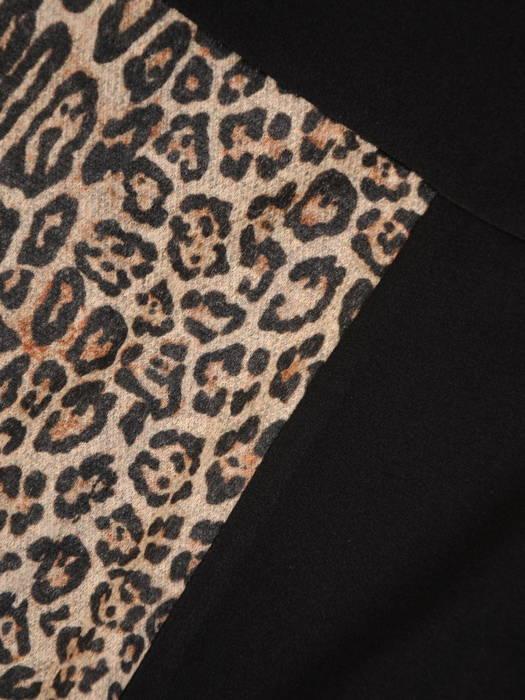 Sukienka z golfem, czarna kreacja z paskiem 30862