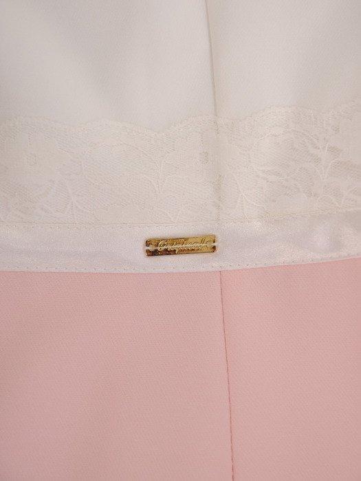 Sukienka z koronkowymi rękawami Sybila IV, elegancka kreacja wizytowa.