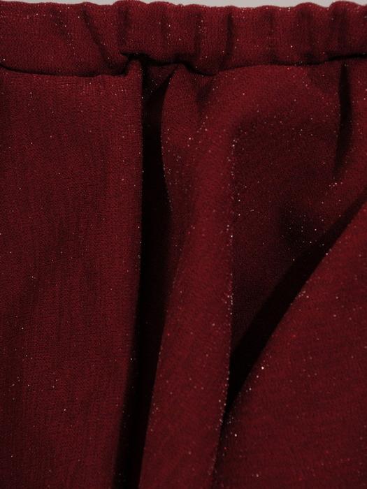 Sukienka z odkrytymi ramionami, kreacja z ozdobną falbaną 22425