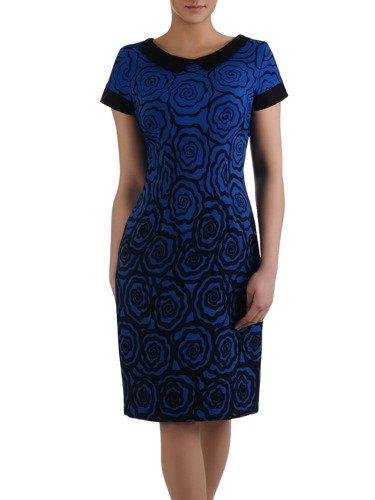 Sukienka z oryginalnym nadrukiem Beatriz I, modna kreacja w kwiaty.