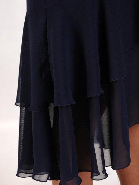 Sukienka z ozdobną szyfonową falbaną, granatowa kreacja z aplikacjami z koronki 24811