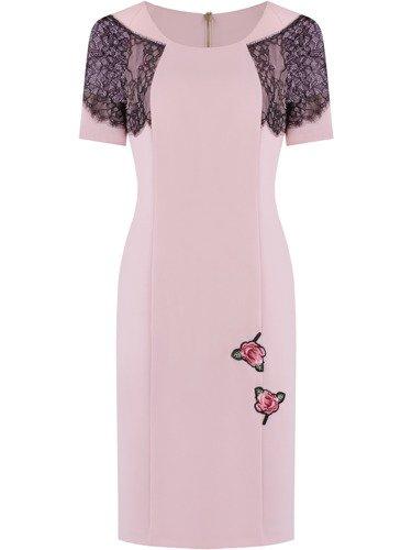 Sukienka z ozdobnym haftem Tefila, letnia kreacja z koronkowym wykończeniem.
