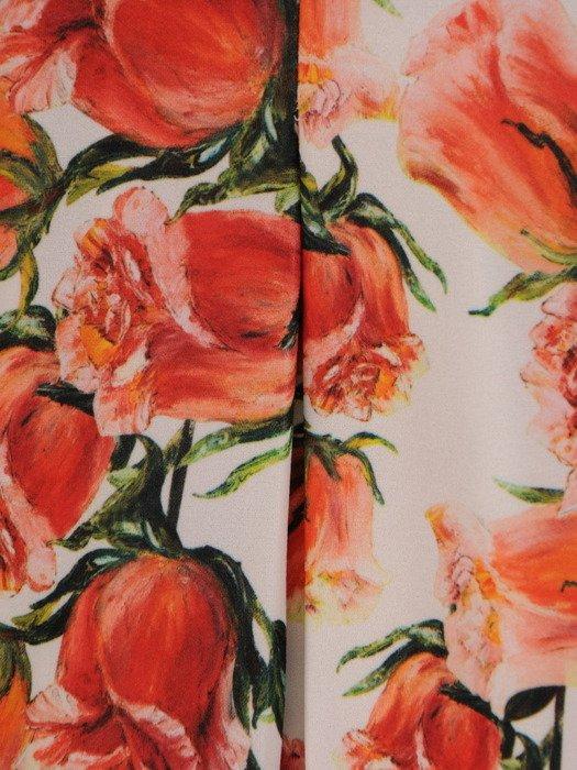 Sukienka z suwakiem na dekolcie, wiosenna kreacja w kwiaty 20120.
