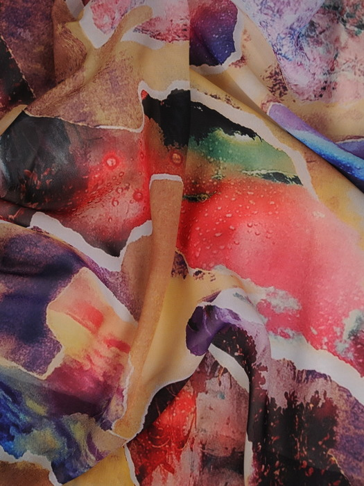 Sukienka z szyfonu, zwiewna kreacja w długości midi 21511.