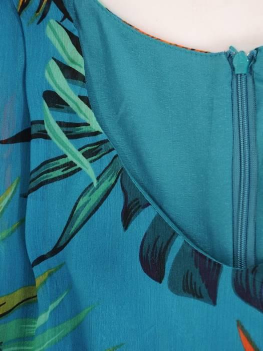 Sukienka z tkaniny, zwiewna kreacja w kwiaty 29838