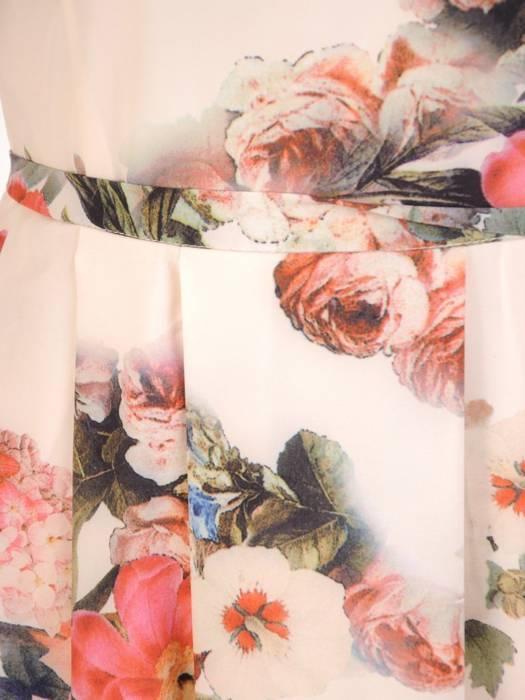 Sukienka z tkaniny, zwiewna kreacja w kwiaty 29912