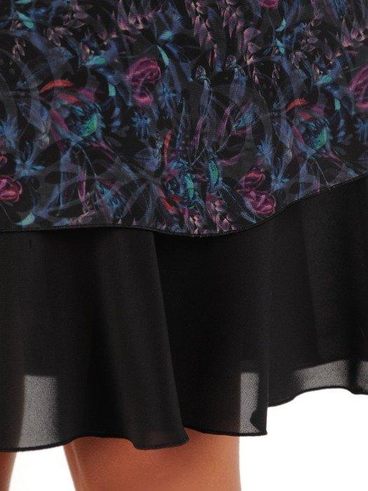 Szyfonowa sukienka o trapezowym kroju, kreacja z oryginalnym nadrukiem 23723