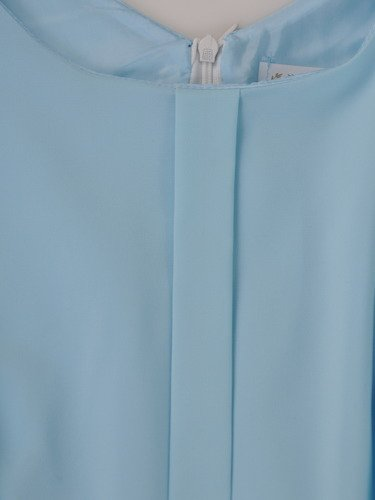 Szyfonowa sukienka w klasycznym fasonie 14940, elegancka kreacja midi.