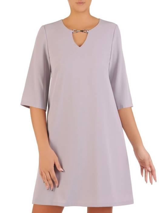 Trapezowa sukienka, kreacja z ozdobnym dekoltem 27443