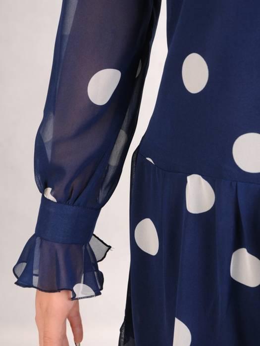 Trapezowa sukienka z szyfonu, kreacja z falbanami na rękawach 27817