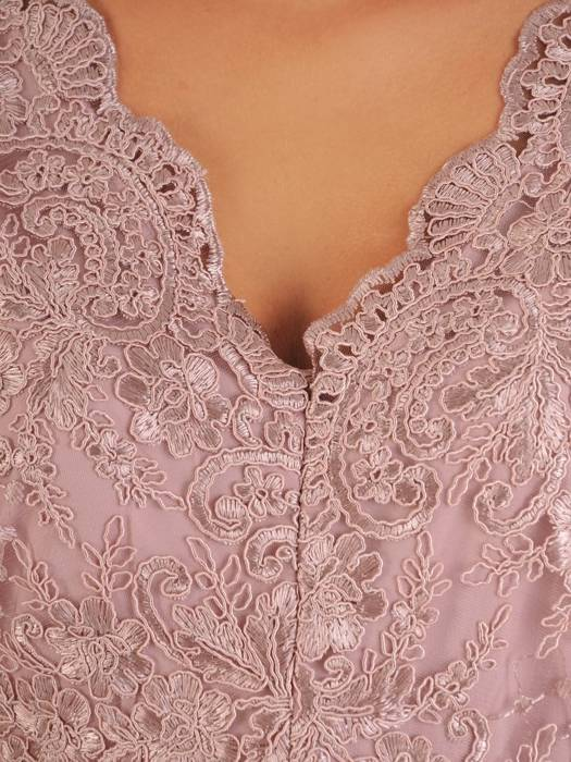 Wieczorowa sukienka o długości maxi, kreacja z koronkowym topem 26863