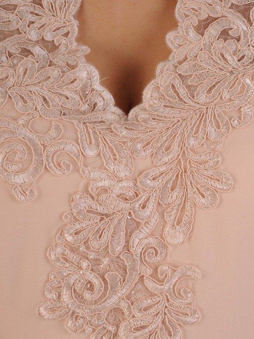 Wieczorowa sukienka wykończona modną koronką 25173