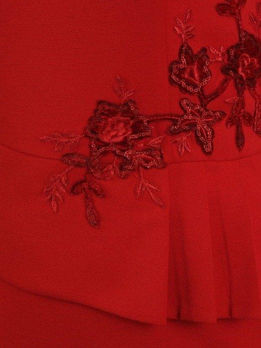 Wieczorowa sukienka z dzianiny, kreacja z ozdobnym karczkiem 24207
