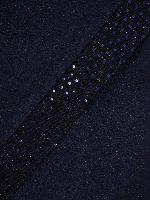 Wieczorowa sukienka z połyskującymi wstawkami 24626