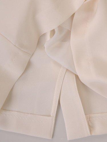 Wizytowa sukienka w eleganckich kolorach 15823, kreacja z kwiatowym nadrukiem.