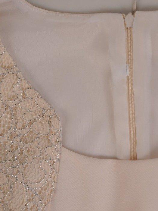 Wizytowy kostium damski z koronkowymi wstawkami 25059