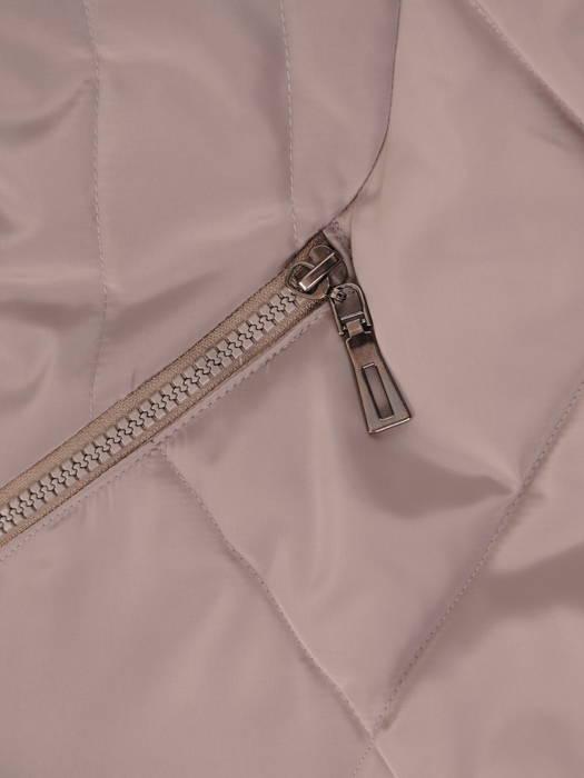 Wyszczuplający płaszcz z pikowanej tkaniny z kapturem 30711