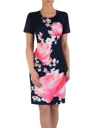 Wzorzysta sukienka z wyszczuplającymi zaszewkami 15192, kreacja w wiosennych kolorach.