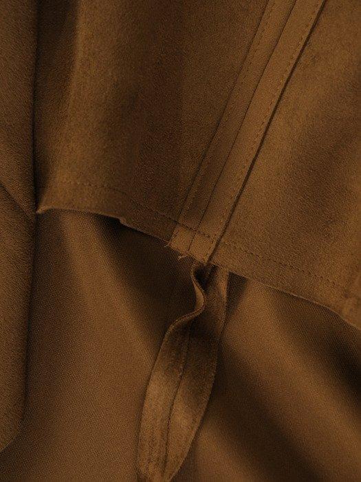 Zamszowa sukienka Ernesta I, modna kreacja wyszczuplająca brzuch.
