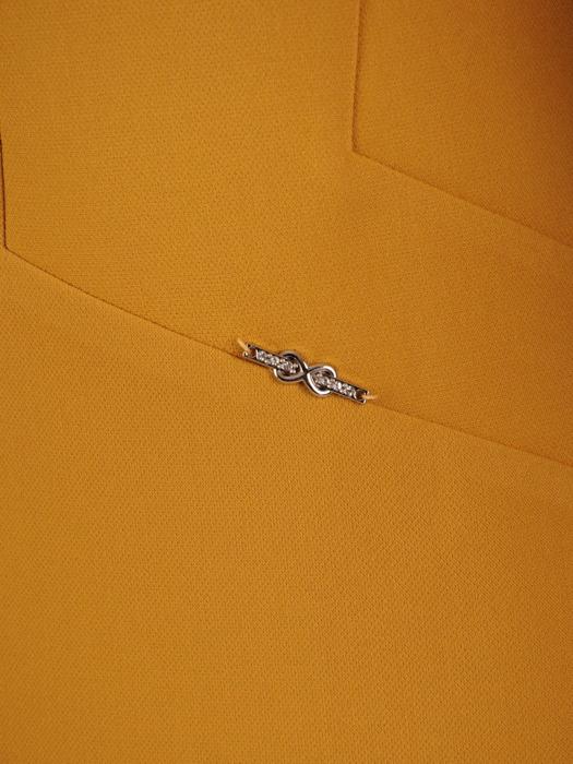 Żółta sukienka z modnym dekoltem, nowoczesna kreacja wizytowa 21069