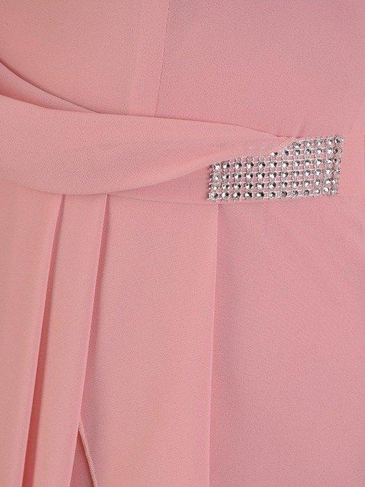 Zwiewna pudrowa sukienka z aplikacją w pasie 25969