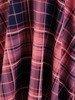 Rozkloszowana sukienka w modną kratkę, kreacja z kopertowym dekoltem 22905