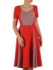 Sukienka z paskiem, modna kreacja w wyszczuplającym fasonie 25875
